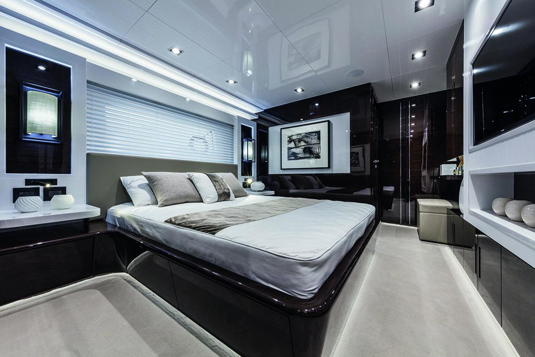 pearl 95 guest cabin 2