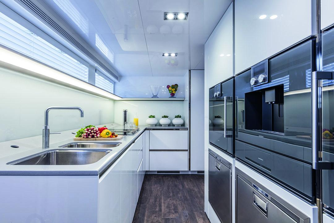 pearl 95 galley