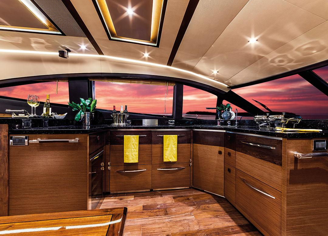 2015 650 fly galley