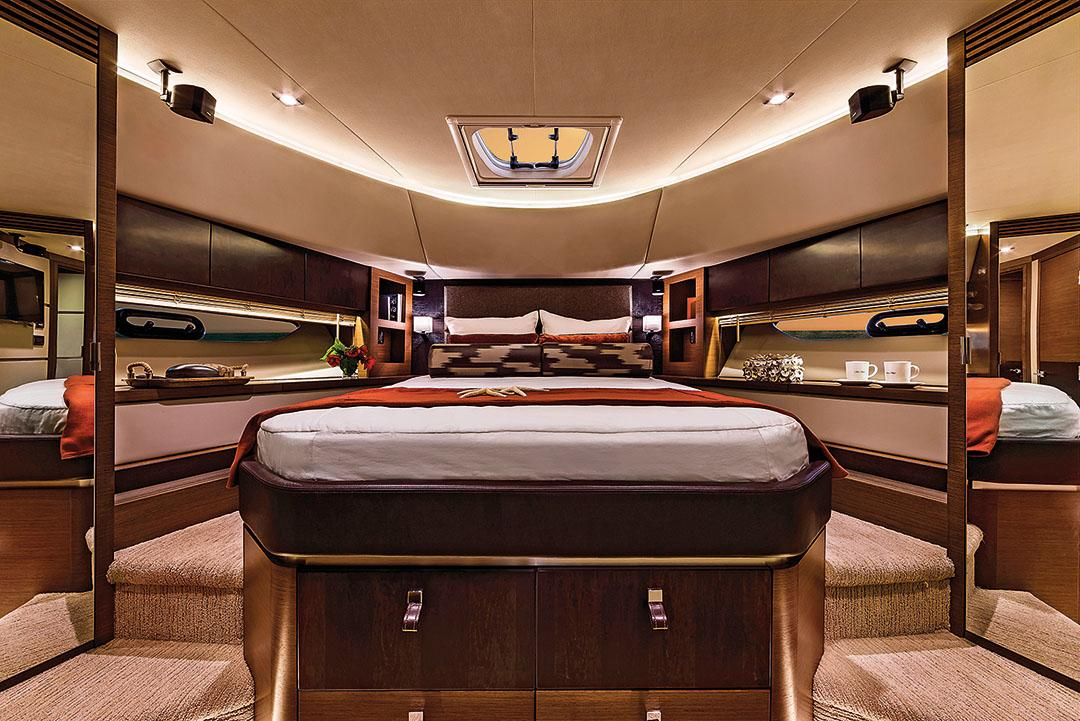 2015 650 fwd stateroom